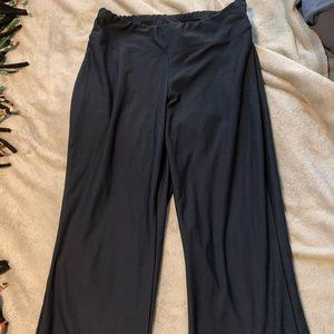 Navy Nike cropped leggings